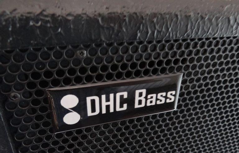 DHC 2 X 10 BADGE
