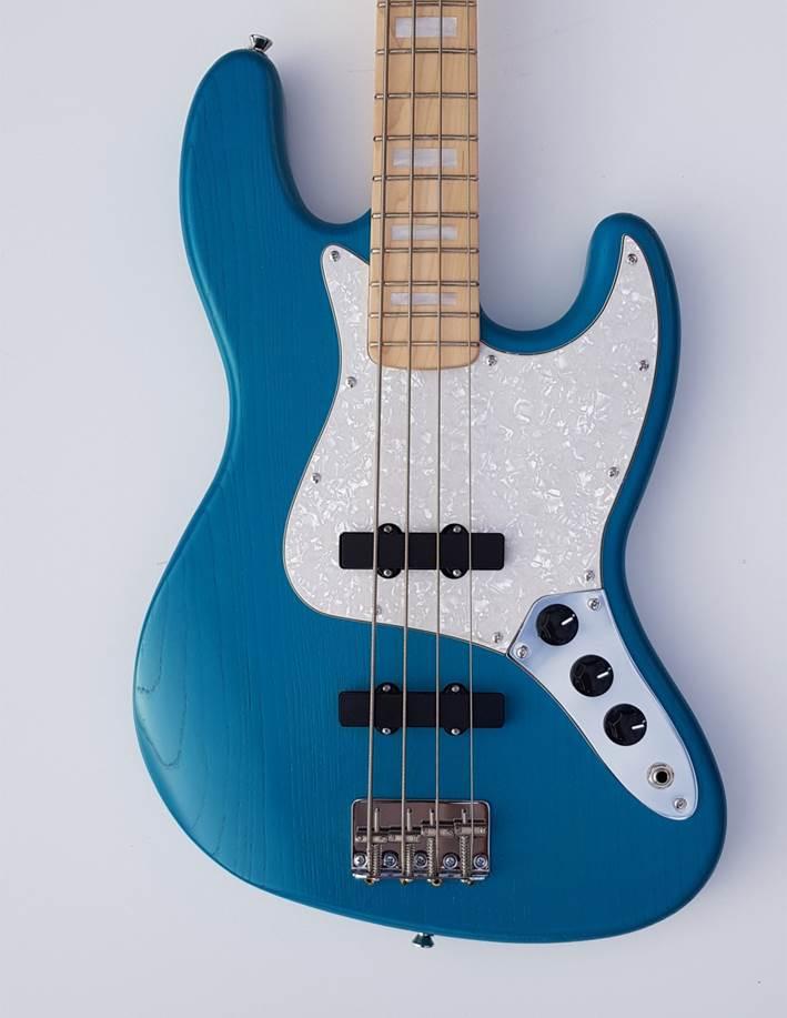 Lau Blue N1 FRONT